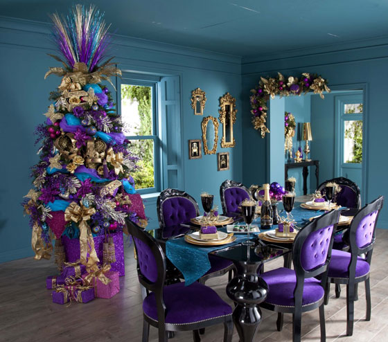 Luxury-dining-room-with-beautiful-Christmas-table