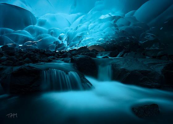 10. Mendenhall Ice Caves (Alaska)