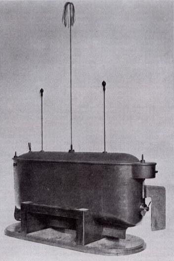 Teslin brod na daljinsko upravljanje, na žalost Marconi je s puno nazadnijom tehnologijom dobio Nobelovu nagradu deset godina nakon Teslina otkrića radijske i bežične tehnologije.