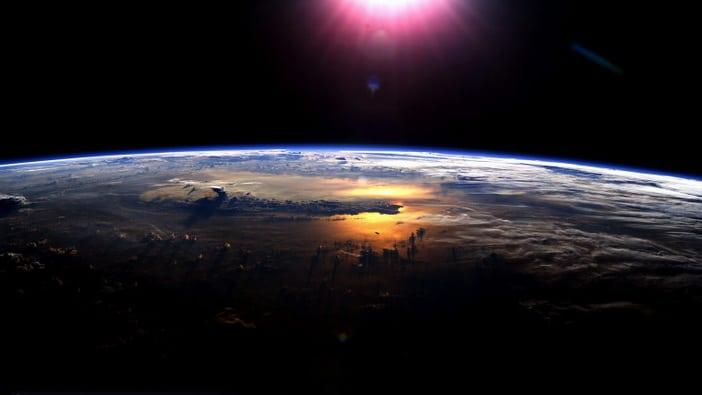 2-gravity-earth-vedas