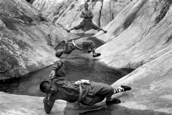 shaolin-monks-training-3