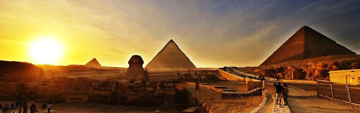 The-Pyramids-of-Giza_Fantastic-view