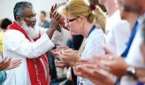 """Od kada sam u """"Hindustan Times"""" pročitao o neobjašnjivim izlječenjima u molitvenim grupama dvojice salezijanaca s juga Indije jedan od ove neobične dvojke, o. James Manjackal, je dosegao svjetsku slavu. Posjetio je i našu zemlju."""