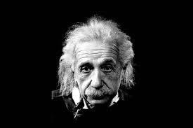 """Albert Einstein - čovjek koji je """"vidio zakrivljenost Prostora"""" toliko nezamisliv običnom svijetu nije bio genijalan zbog velikog broja neurona u svom mozgu, nego, kako je pokazala post mortem analiza njegova mozga, zbog puno većeg broja glija (stanice koje hrane neurone) od standardnog."""