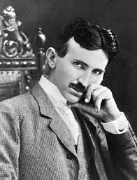 Nikola Tesla - bio je sinestet, mogao je spoznavati zakonitosti oko sebe neuralnim putevima koji su kod velike većine ljudi nerazvijeni.