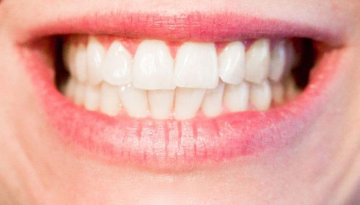 Prirodni preparati i biljke za zdravlje i higijenu zubi