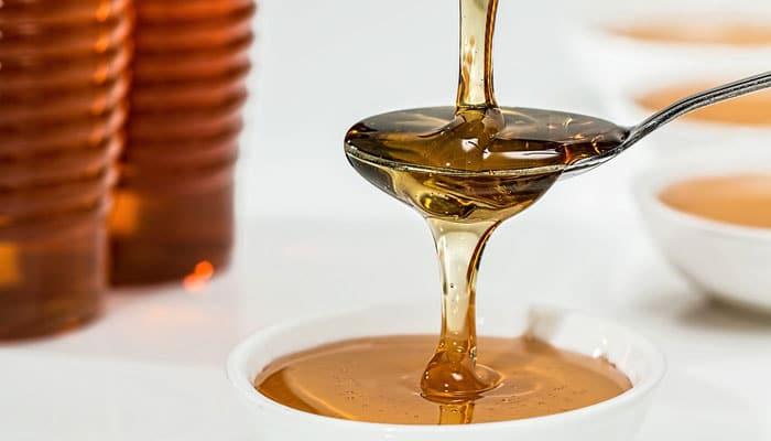 Kažu da je med s cimetom dobar za vas… Ali evo što vam nisu rekli!