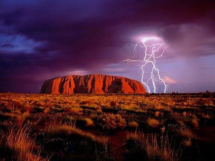 8 The plateau Uluru