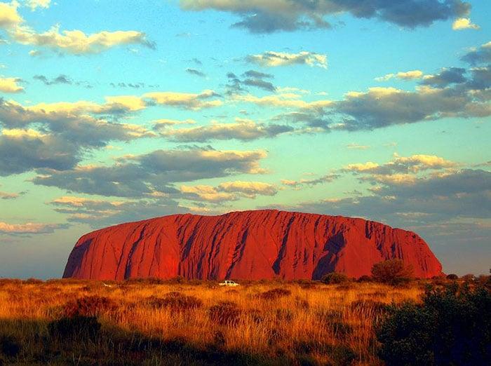 9. The plateau Uluru 00