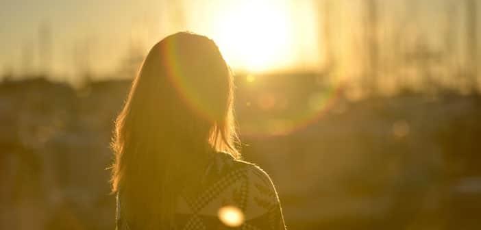 Solarana joga: Iskoristite nevjerojatne dobrobiti kontroliranog gledanja u Sunce!