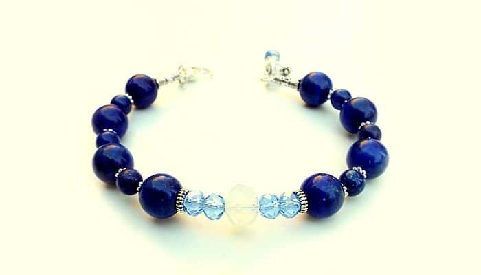 "Narukvica ""Priča plavog kamena"" - Lapis lazuli, Mjesečev kamen"