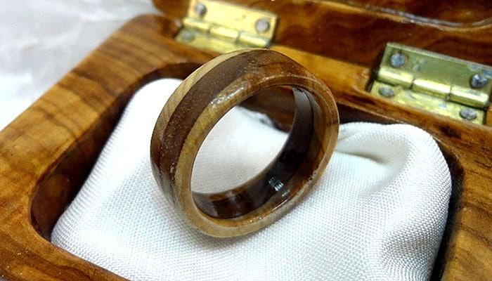 Prsten od dalmatinske masline - Vrhunski ručni rad, 15 slojeva premaza