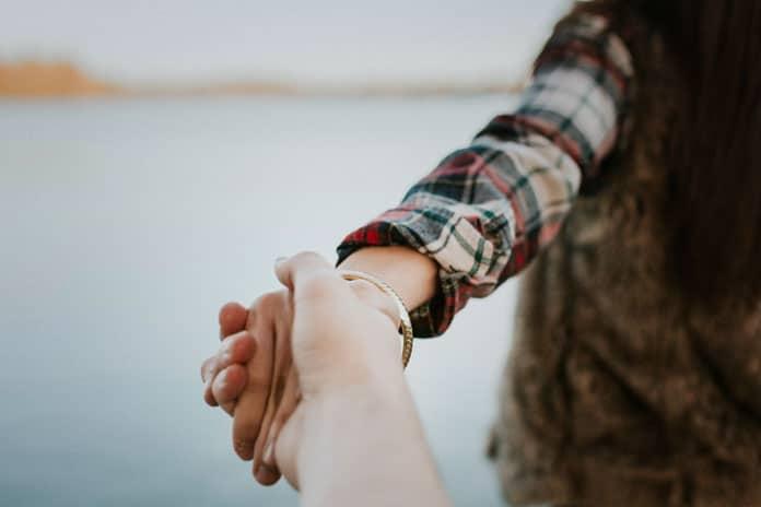 Nakon nekog vremena uvidiš tanku crtu između držanja za ruke i vezanja za dušu