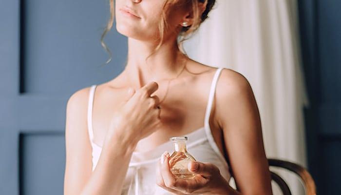 Kako napraviti svoj osobni 100 % prirodni parfem
