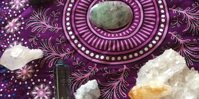 Kristalno kraljevstvo - Seminar o snazi i korištenju kristala i individualni tretmani kristalima