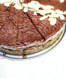 RAW Veganska čokoladna torta sa lješnjacima vmartincevic 3