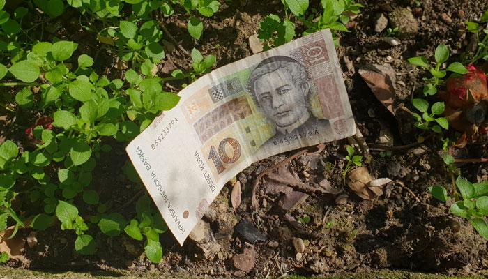 Duhovno značenje kada pronađete novac na zemlji