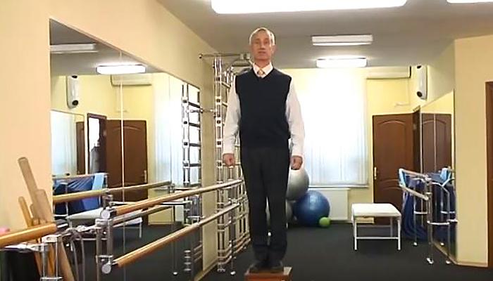 Ruski fizioterapeut, dr Popov otkrio: OVA neobična vježba će brzo istopiti kilograme! (VIDEO)