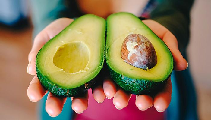 Pojedite svaki dan jedan avokado i organizam će vam biti zahvalan! Evo 10 fantastičnih razloga zašto!