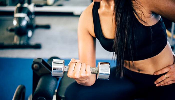 9 učinkovitih dnevnih vježbi za žene nakon 40