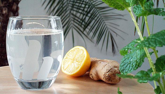 Čisti začepljene arterije i kontrolira krvni tlak: Jedna čaša ovog napitka dnevno je spas! (RECEPT)