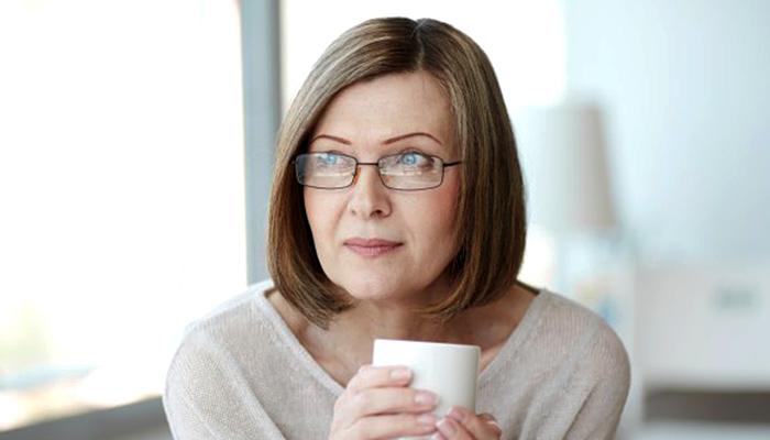Stručnjak za zdravlje žena dr Lisa Earle: Ovo je prvo što svaka žena treba primijeniti u menopauzi!