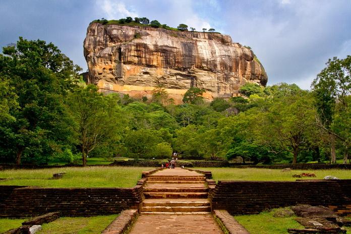 besplatna internetska mjesta za upoznavanje u Šri Lanki monterrey meksiko stranica za upoznavanja