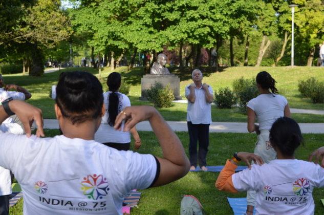 Yoga session at Bundek Park