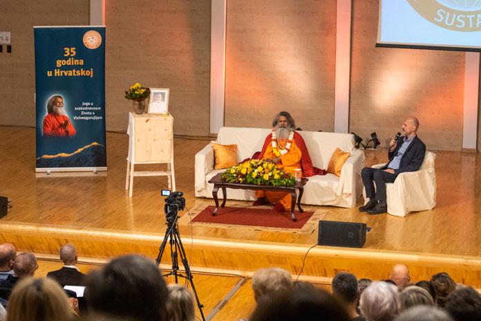 Paramhans Swami Maheshwarananda